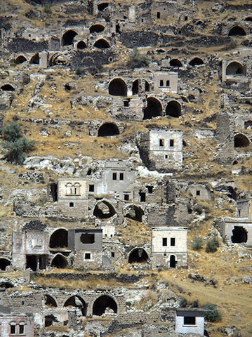 cave-houses-nevsehir-central-anatolia-turkey.jpg 10