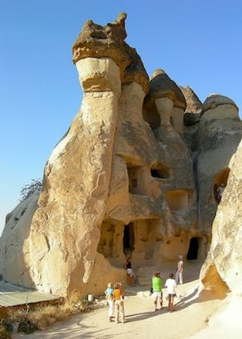 cave-houses-nevsehir-central-anatolia-turkey.jpg 12