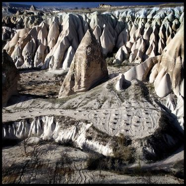 21cave-houses-nevsehir-central-anatolia-turkey.jpg