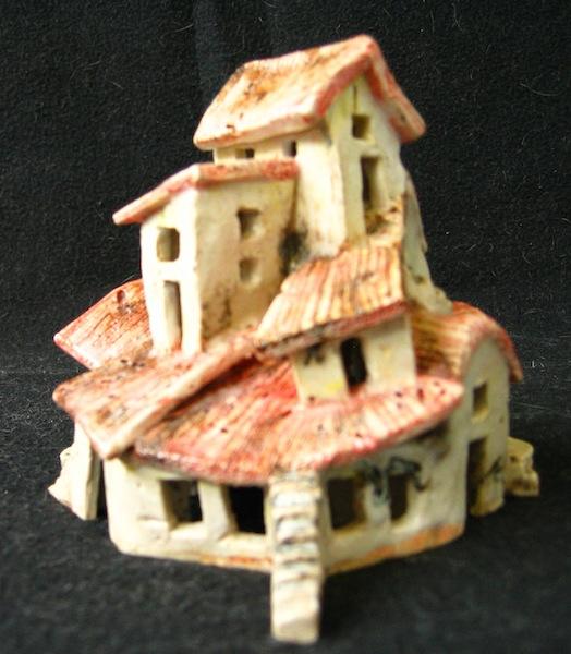 Mundivagant, ceramic, oxides, under glaze 12 x 11 x 8 cm