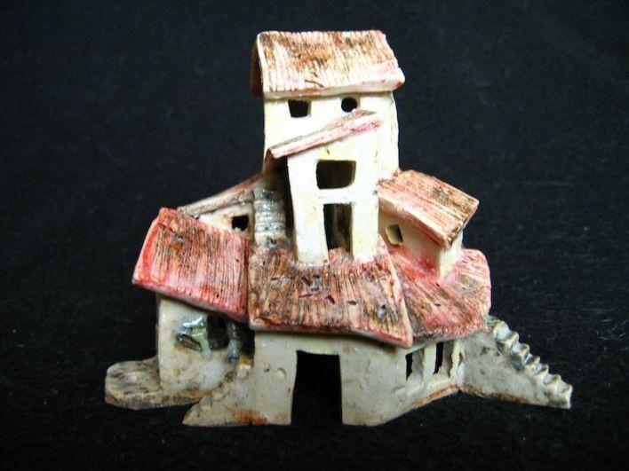 Endeavourt, ceramic, under glaze and oxides, 10 x 11 x 10